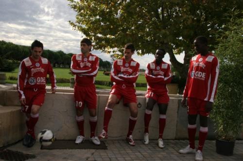De Gauche à droite : Lacombe, Ouadah, Sahnoun, Montano et Yanga-Mbiwa au Mas Saint-Gabriel (Photo Nicolas Deltort)