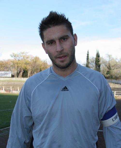 L'ancien joueur du Nîmes OLympique, Johny Ecker, aujourd'hui joueur de DH à Bagnols/Pont (photo N. Deltort)