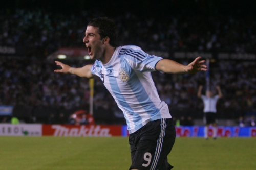 1er but de l'Argentine, Gonzalo Higuain (photo N. Deltort)