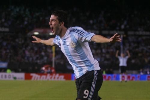 1er but de l'Argentine, Gonzalo Higuain (photo N. Deltort)